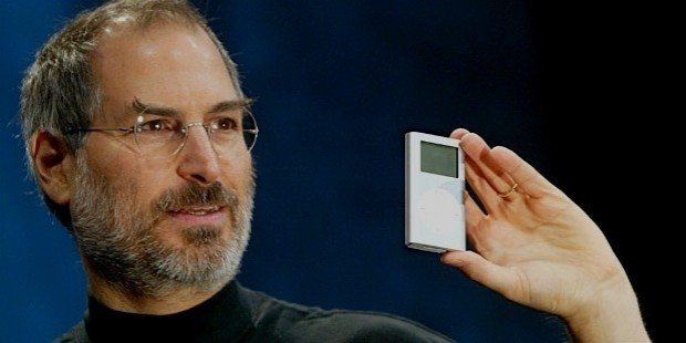 steve-jobs-with-ipod_1462947096